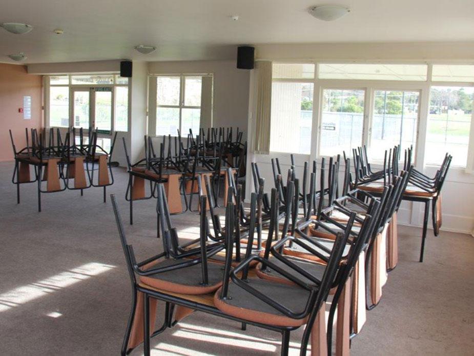 Rautawhiri Lions Lounge interior