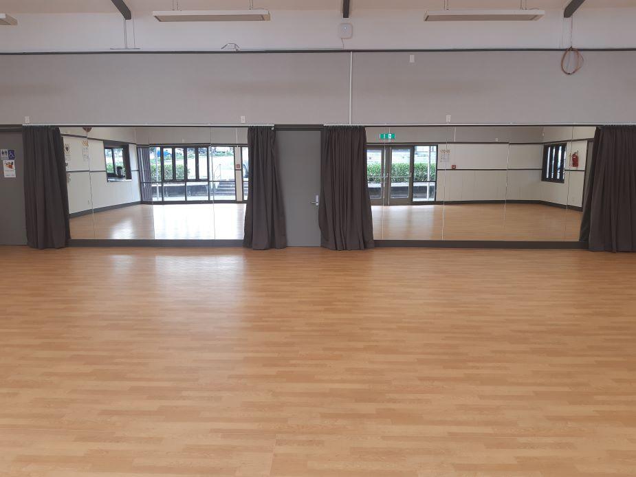 Glen Innes Community Hall - dance mirrors