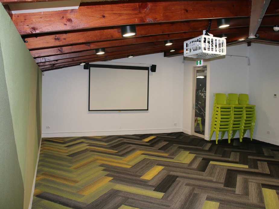 Te Puke o Tara Community Centre - Room 2