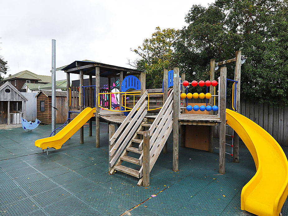 Sandringham Community Centre Playground