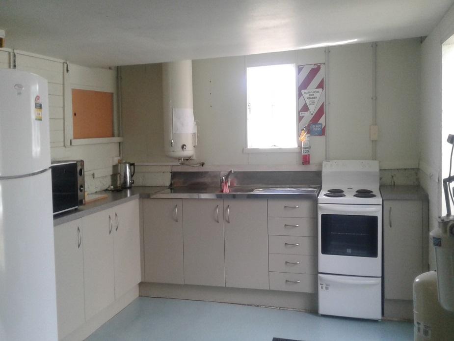 Tauhoa Hall - kitchen