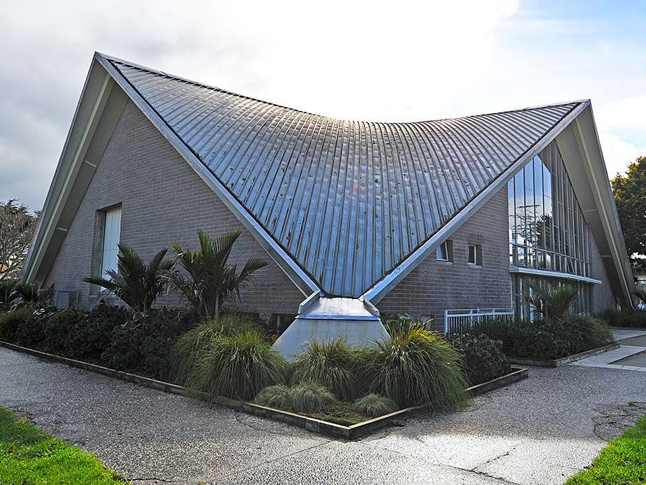 Mt Albert War Memorial Hall Exterior 2