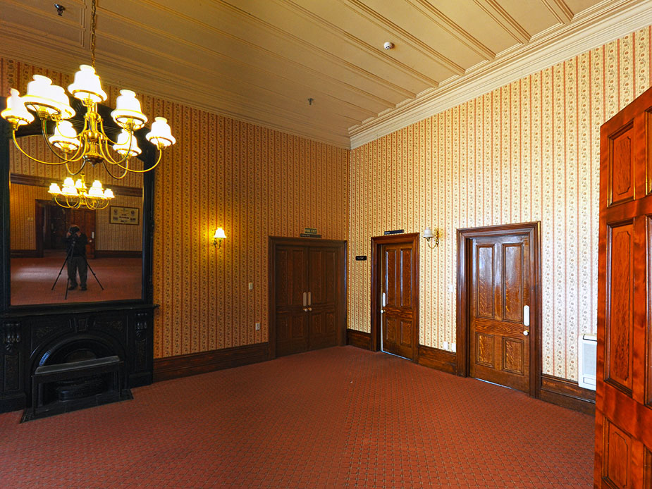 Ferndale House Main Room Interior