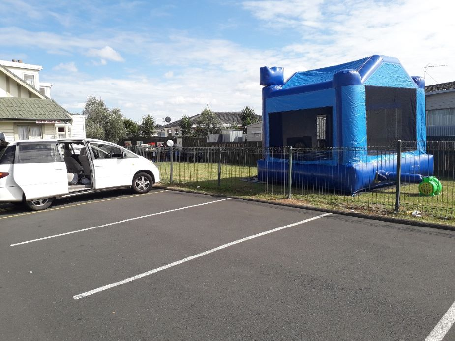 Clover Park Community House - Bouncy castle (5x5x5x)