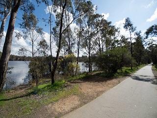 Kennington Reservoir Parkland