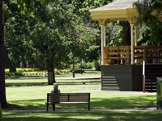 Rosalind Park Bunya Lawns