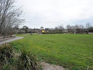 Battunga Park Lawns