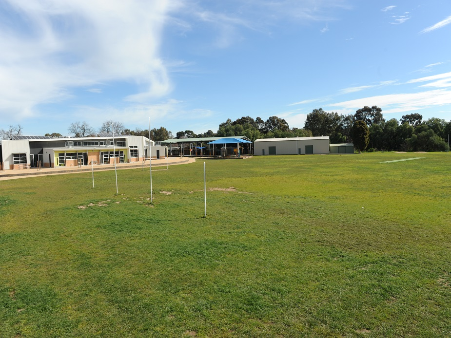 White Hills Primary School AFL/Cricket Oval