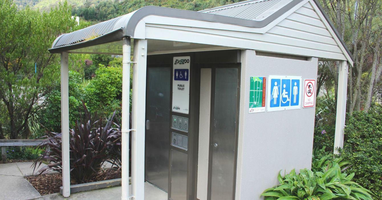 Auckland Reserve Public Toilet