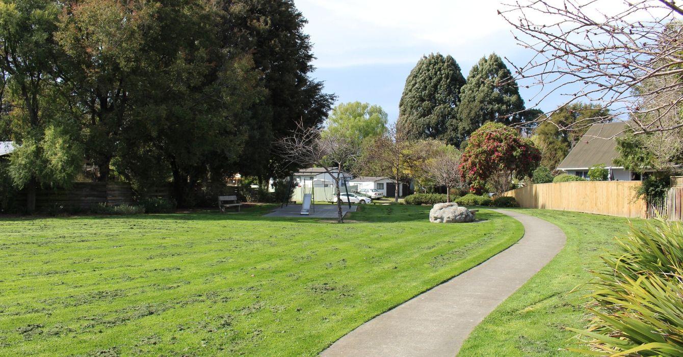 Holdaway Street Reserve