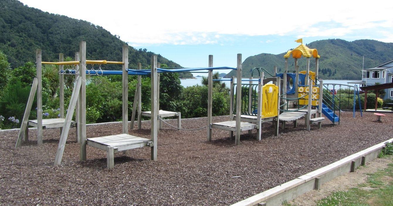 Tunnicliff Reserve Playground