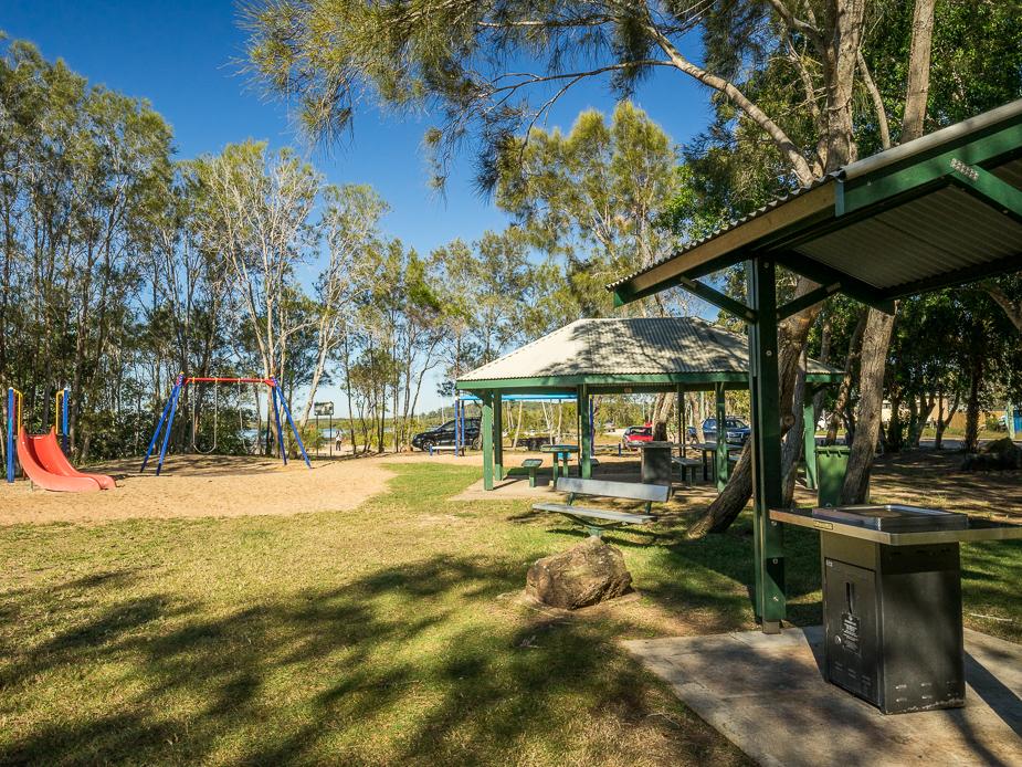 Lions Boulevard Park - Playground