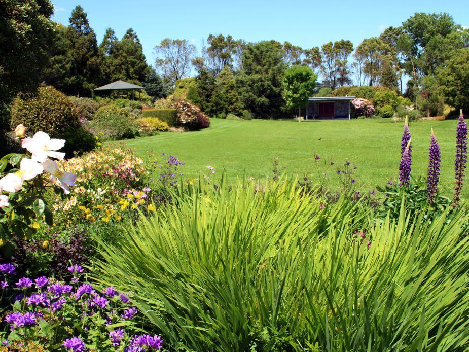 Hollard Gardens Main Lawn