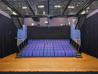 Small Theatre - Cinema mode, retractable seating